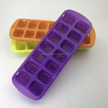 Hot-selling Easy Release No Spill Ice Cube Tray food grade plastic stackable ice cube tray cylinder LFGB/FDA Approved