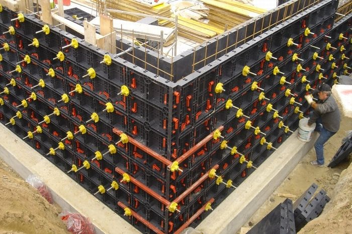 Plastic Formwork Construction Concrete Column/Slab Formwork made in China with low price