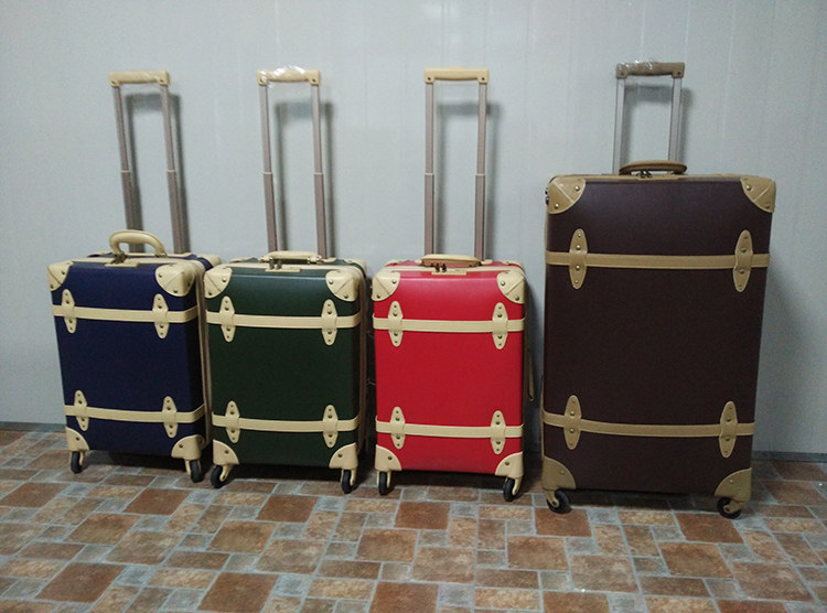 2016 Newly PP PVC superlight zipper opening vintage suitcase