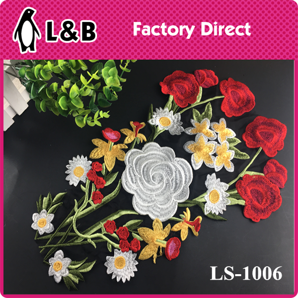 2017 latest embroidery pacthes rose applique for dress/Clothing flower sew-on applique work design