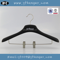 HA1445 black decorative coat hanger rubber coated coat hanger