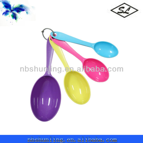colorful 4pcs plastic measuring serving spoons