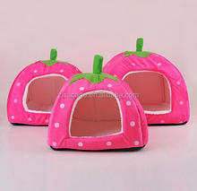 Pretty strawberry style cat kennel house crate for travel