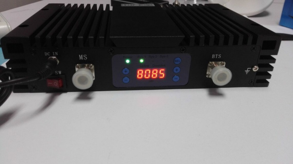 Triple band repeater booster GSM DCS WCDMA network booster,wireless signal enhancer 900 1800 2100