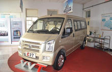 Dongfeng C37 Mini Bus Right Hand Driving Vehicles hot sale 5,7,9,11 seats