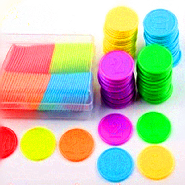 Colourful and customized flower plastic token