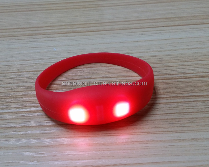 Sound activated LED light glowing silicone wristband silicone bracelet for Christmas party <strong>gifts</strong>