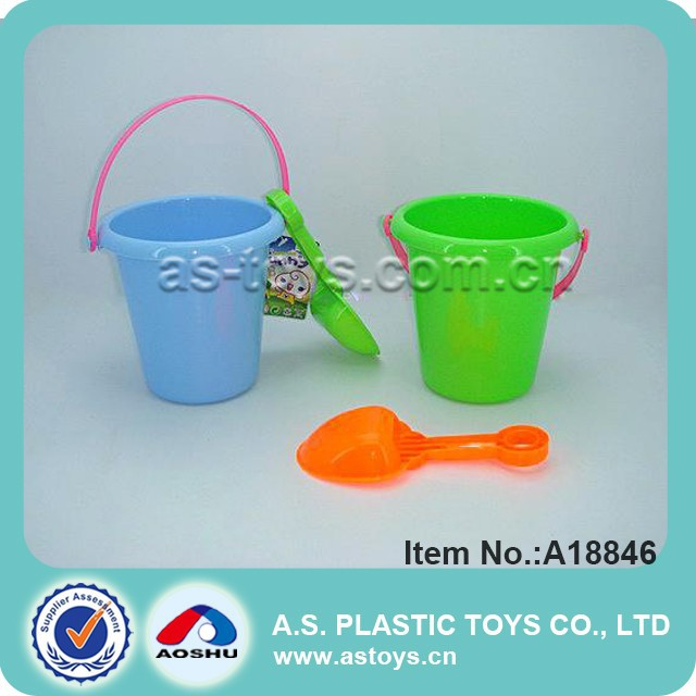 2 pieces bucket and shovel beach play set toys