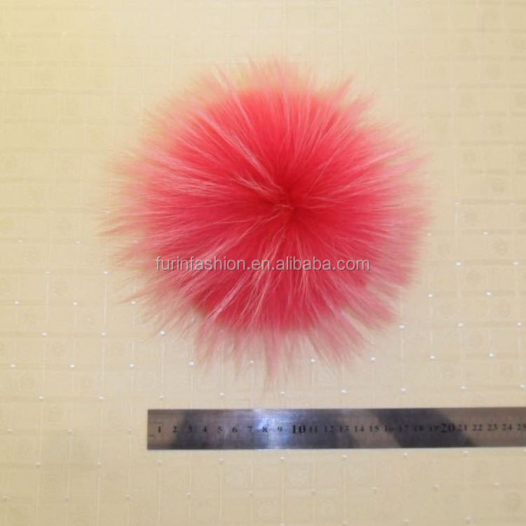 Wholesale Hot Selling 15cm Colorful Raccoon Fur Pom Poms Keychain for Hats/Bags/Accessories/Christmas Decoration