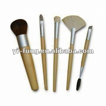 B Bamboo 5-piece Makeup Brush Set with Synthetic Hair and Reusable Storage Pouch Packing