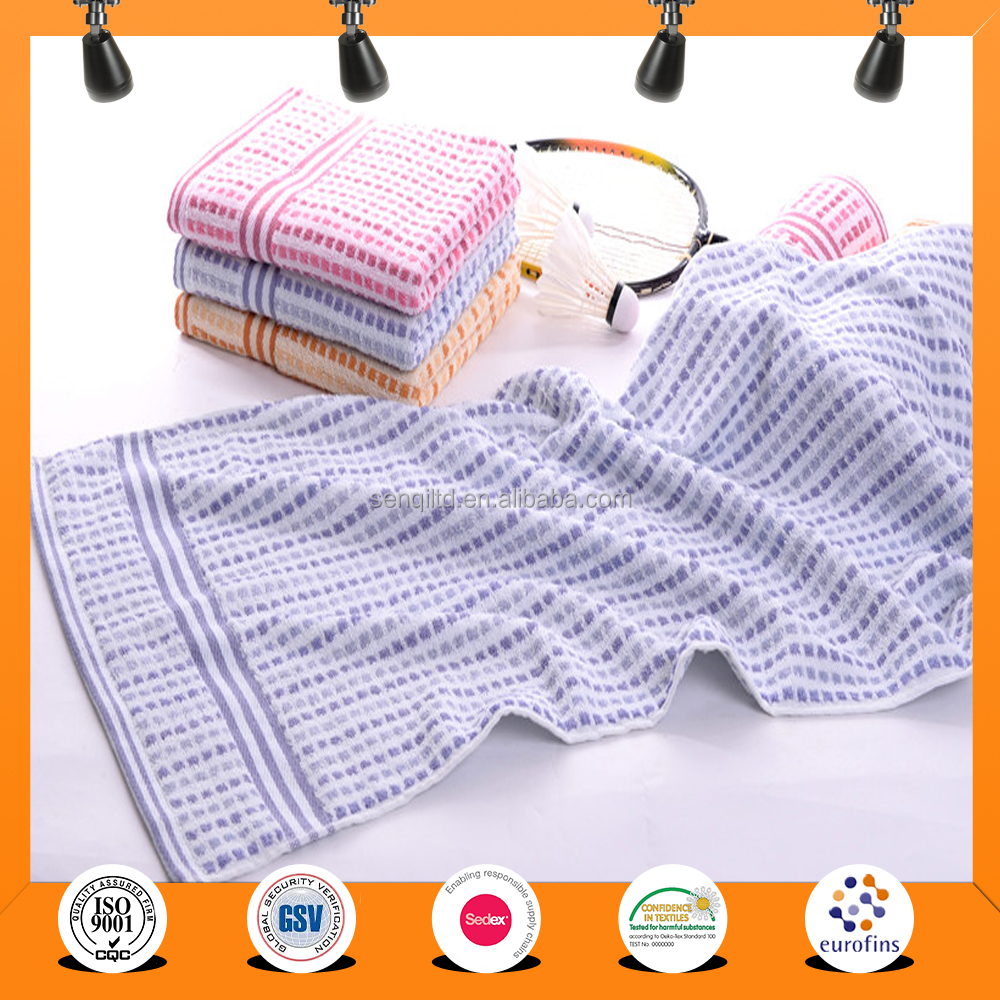 China Factory supplier cheap and fine microfiber sports towel in mesh bag, high absorption towel