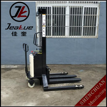 2T straddle semi electric forklift Stacker