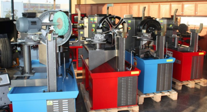 HYDRAULIC ALLOY WHEEL REPAIR MACHINE WITH LATHE SYSTEM