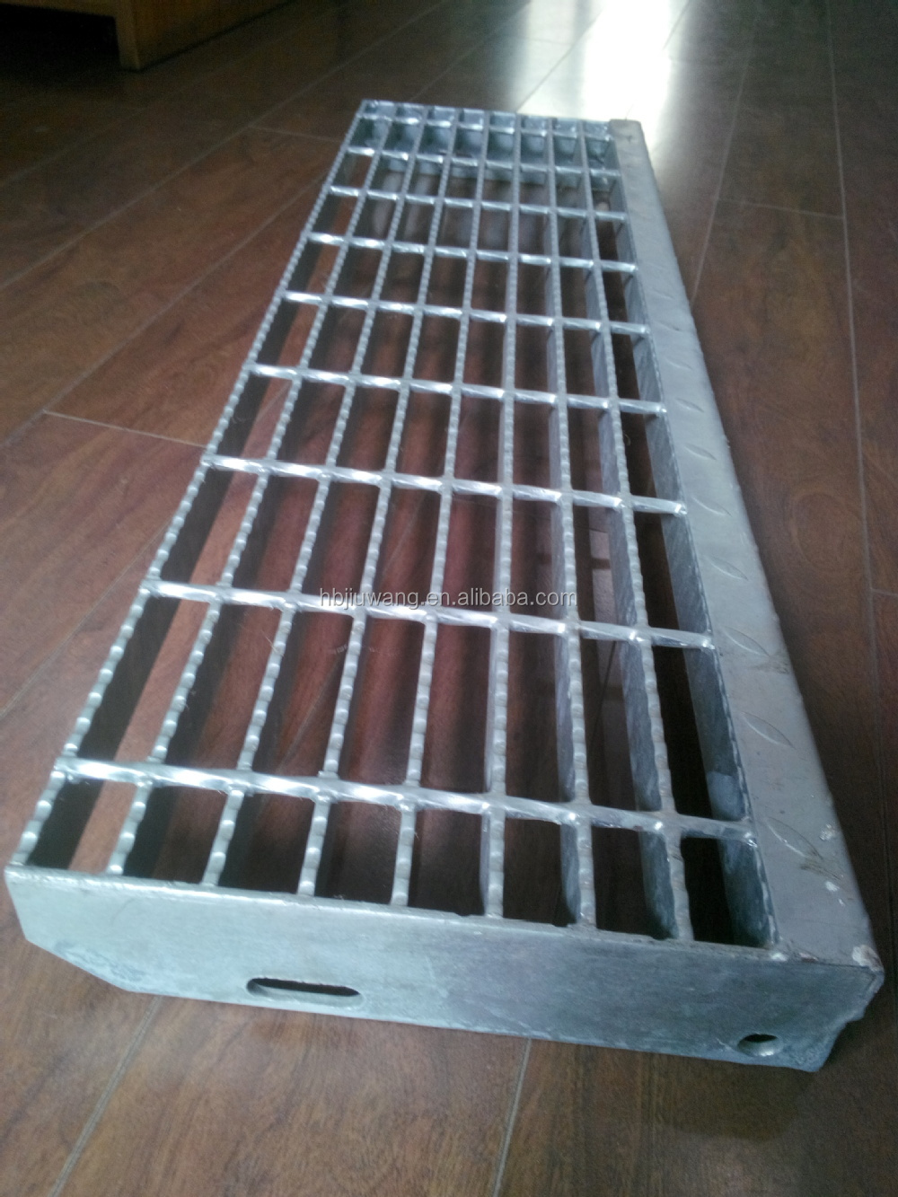 Hebei anping steel stair treads grating tread