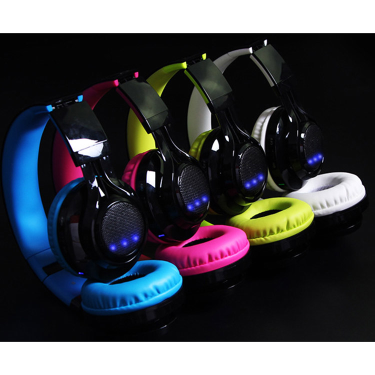 Healthcabin-13092-AB005 Wireless Bluetooth Headphones with Microphone / Led Light