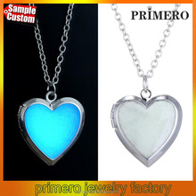 High quality Fashion heart creative luminous glow can open the necklace