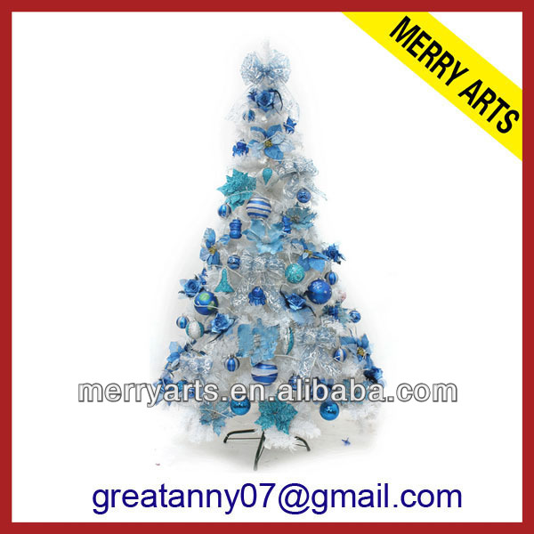 Christmas Tree With White Decorations, Christmas Tree With White ...