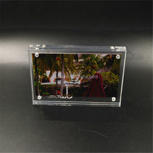 Customized high quality new style magnetic acrylic photo frame wholesale