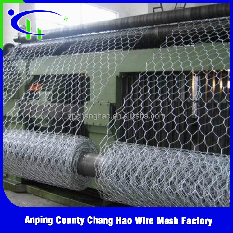 Anping factory price chicken coop Hexagonal wire mesh With Low price