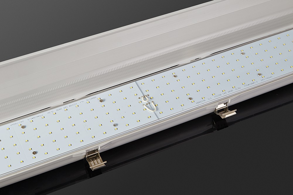 tri proof light with led panel.jpg