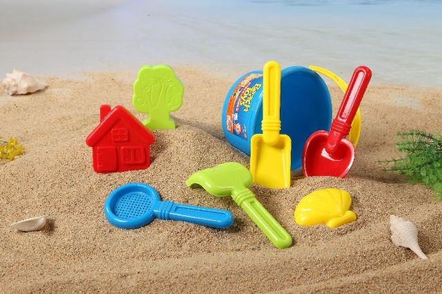 Wholesale summer beach sand toy set from China