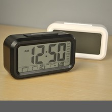 Funny Cheap Price Table Talking Smart Alarm Clock With Date Temperature Backlight