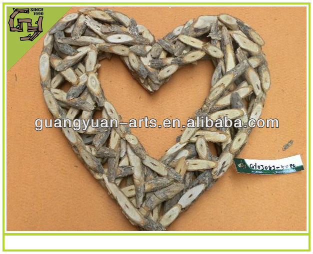 Christmas wreath heart shaped natural rattan garland