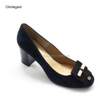 China Manufacturer Comfort Women's Round Closed Toe Tassel Upper Chunky Block Mid Heel Pump Shoes