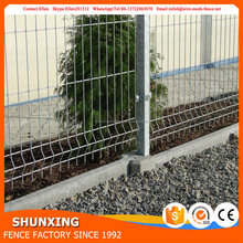 China supplier galvanized then powder coated 3v wire mesh metal fence
