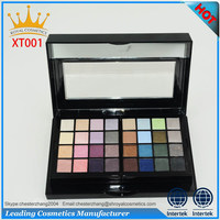 Brilliant eyeshadow shiner with makeup brush set