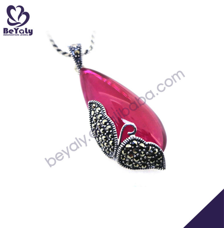 Delicate engraved purple stone swan pendant silver jewelry