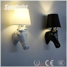 European White Black Popular Classical Resin industrial Horse Head Modern ceramic Wall Lamp/light for hotel
