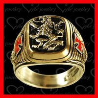 knight templar gold signet ring wit lion deep engraved