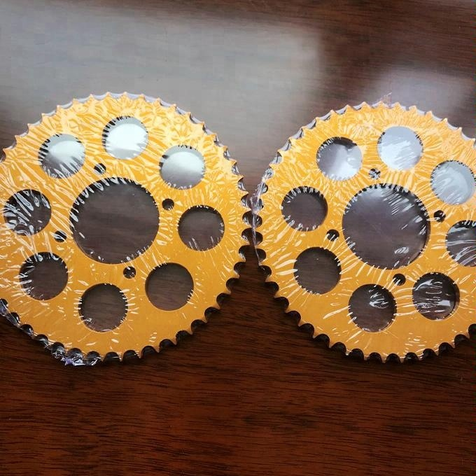 Aluminum Material Motorcycle Sprocket for Yamaha LC135