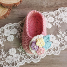 Factory custom Wide Varieties Handmade Knitted New Born Shoes Warm Shose Knitting Baby Booties