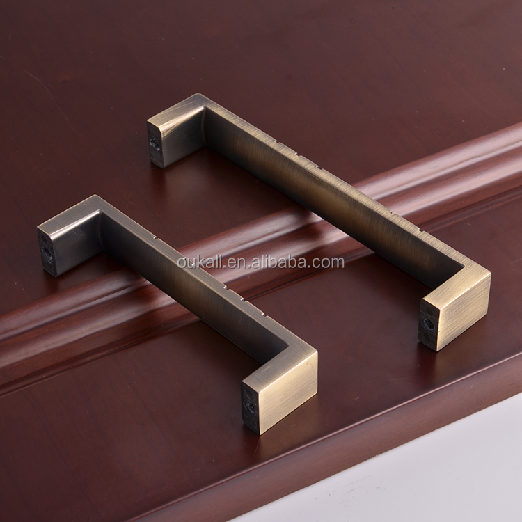 antique bronze cabinet meubles tiroir poign es et boutons. Black Bedroom Furniture Sets. Home Design Ideas