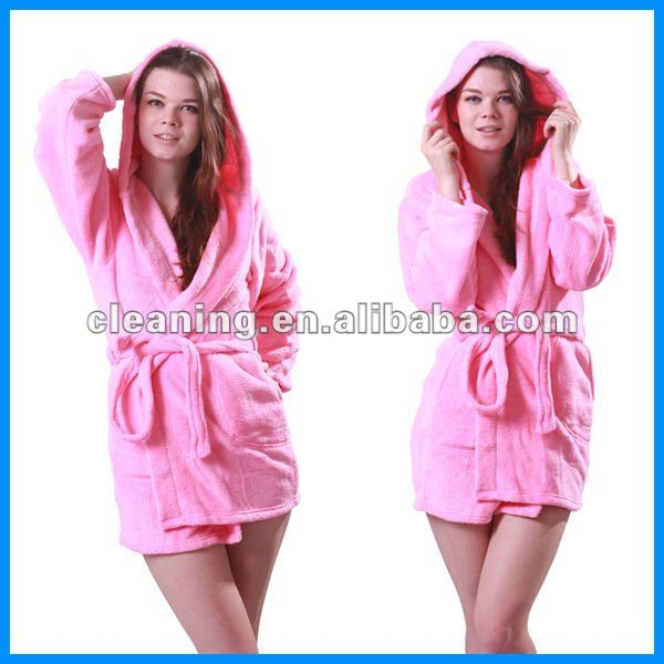 100% polyester coral fleece bath robe (women)