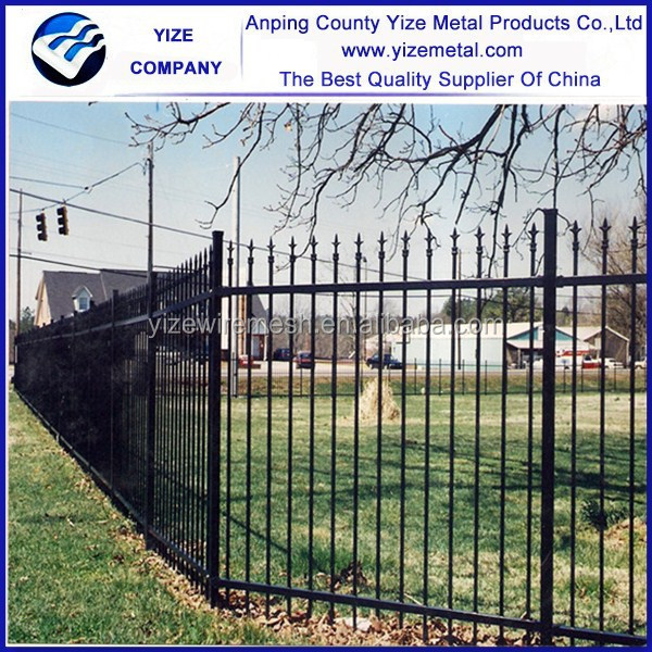 outdoor house fencing and gates