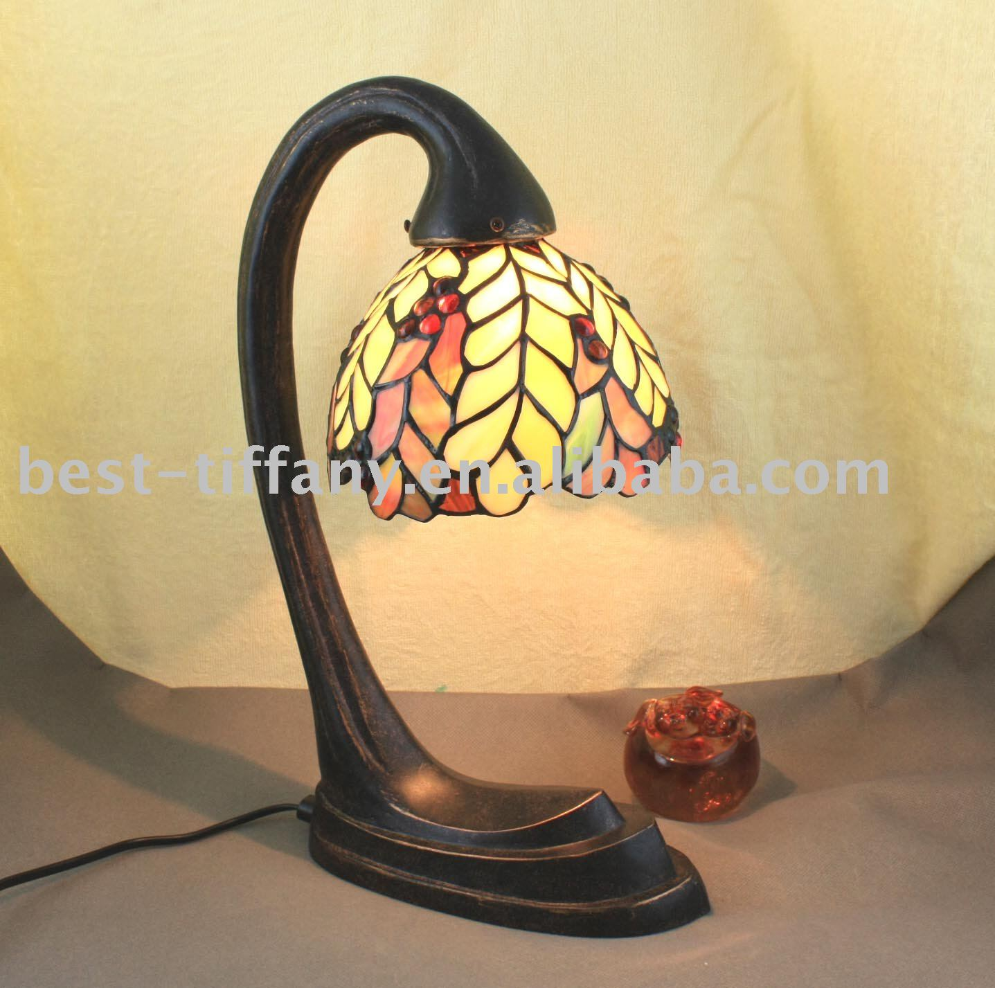 Tiffany table lamp (TL-B0768B)