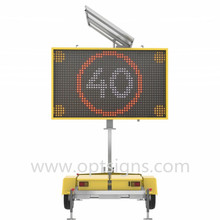 12V Power Supply Mobile Trailer Led Sign Led Solar Traffic Sign VMS Trailer With Hydraulic Lifting