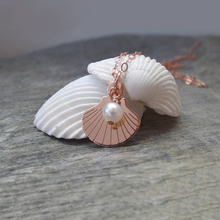 Best price ladies design trendy stainless steel rose gold shell necklace