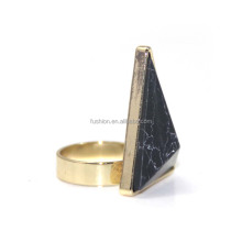 New Design Black Marble Triangle Stone Ladies Gold Finger Ring
