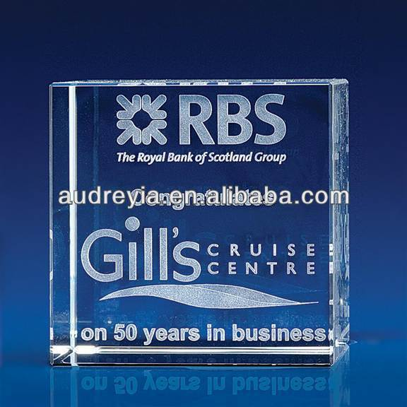 Crystal Cube Corporate Award made from high quality crystal glass