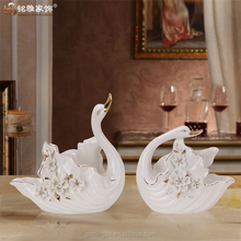 wedding table piece couple romatic love theme simple design ceramic swan statue