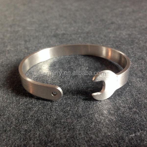 Серебряные браслеты для мужчин цена