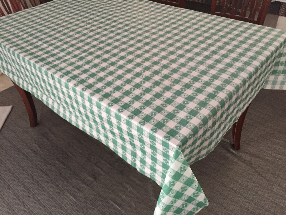 outdoor pinic one time used pe table cloth plastic waterproof disposable pe table cover