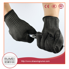 Wholesale HPPE material Level 5 cut resistant knitting gloves work safety