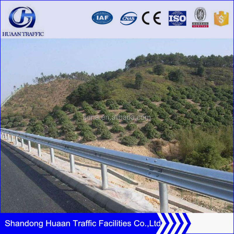 Top Accessed Guardrail Supplier / Double & triple wave highway formed barrier / barriers road rolled guardrai