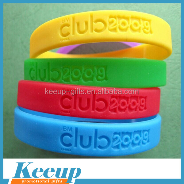 Hot promotional gifts personalized wholesale silicone wristbands