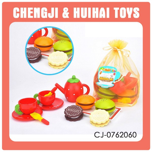 New style funny lovely wooden kitchen set toy with mini cookies for child